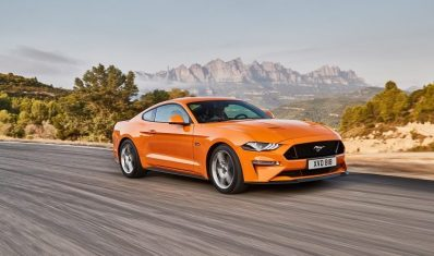 FORD_2017_MUSTANG_01-800x445